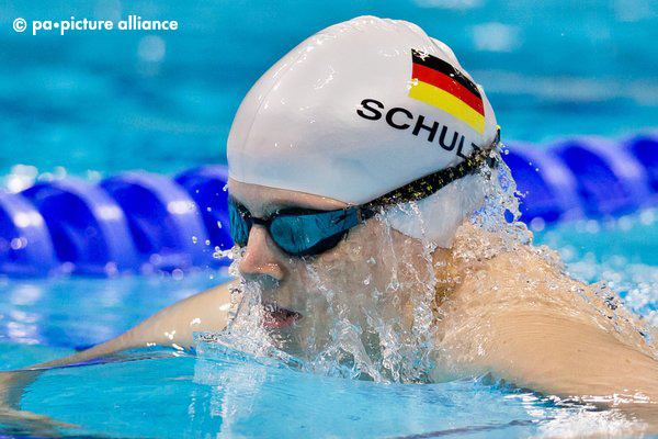 Daniela Schulte of Germany competes during the women's 100m breaststroke - SB11 for the London 2012 Paralympic Games Swimming competition at the Aquatics Centre, Great Britain, 3 September 2012. Photo: Daniel Karmann dpa